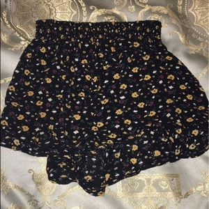 ♡ Urban Outfitters Ecoté Floral Shorts ♡